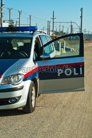 polizeiwagen exekutive einsatz