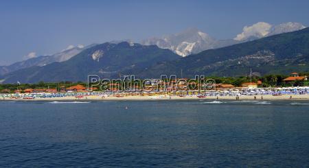 tuscany beach of forte dei