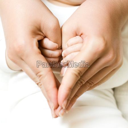 babyhaltemutterhand