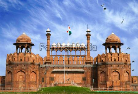 red fort in old delhi indien