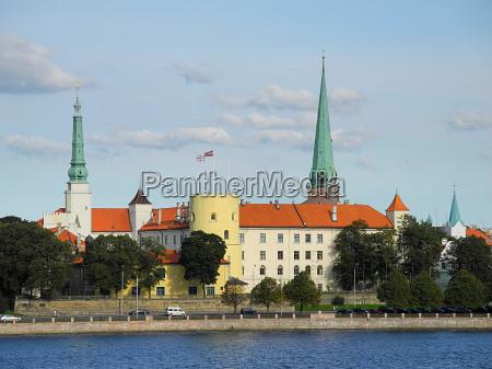 schloss von riga in lettland