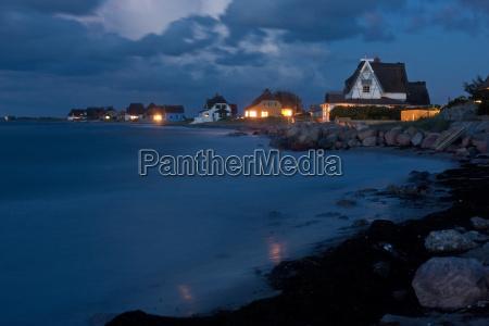 heiligenhafen an der ostsee bei nacht