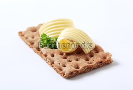 knaeckebrot und butter