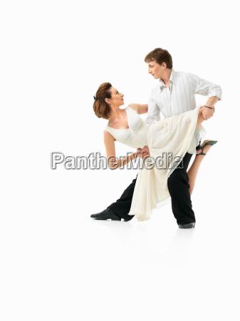 leidenschaftlich, tanzendes, paar, auf, weißem, hintergrund - 7546158