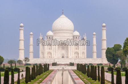 the incredible taj mahal in agra