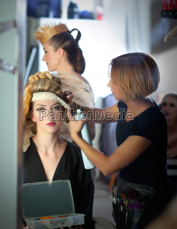backstage friseur mode mit make up