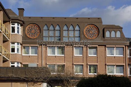 altenheim mit kirche in hameln