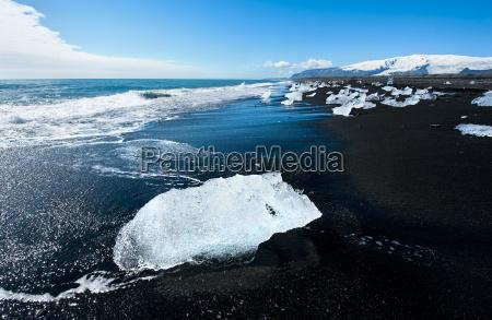 strand mit eisbergen