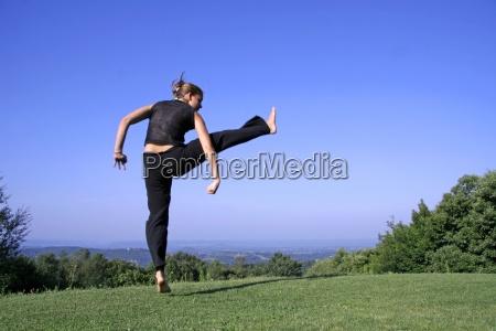 frau gesundheit freizeit kunst sport feminin