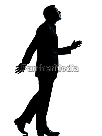 ein geschaeftsmann zu fuss suchen silhouette