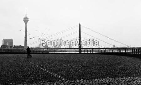 duesseldorf rhine bridge