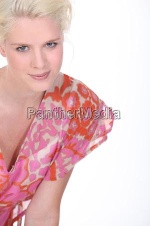 attraktive blonde modell
