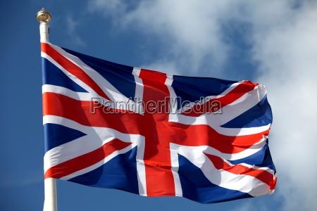 britische flagge weht im wind