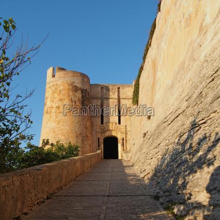 bonifacio genovese fortification gateway