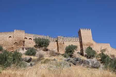 alte stadtmauer von ronda andalusien spanien