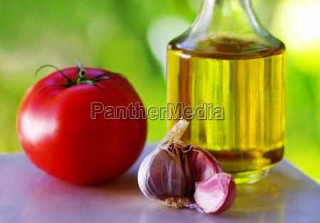 tomato garlic and oil olive