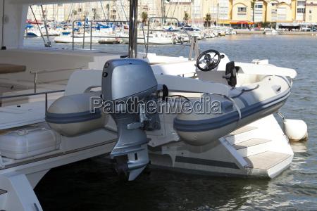 beiboot mit aussenborder dinghy with