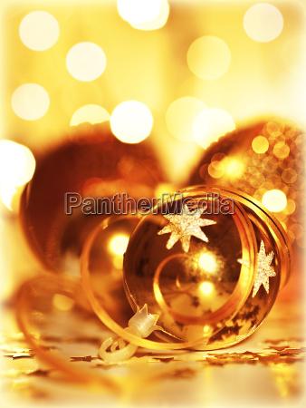 goldener flitter weihnachtsbaumschmuck