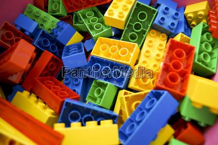 gra z blokow konstrukcyjnych