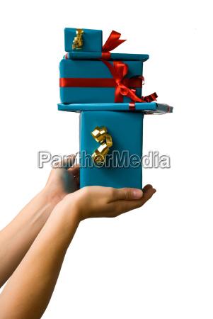 haende halten geschenke