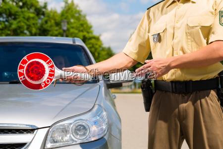 polizist, oder, polizei, in, streife, hält - 8377999