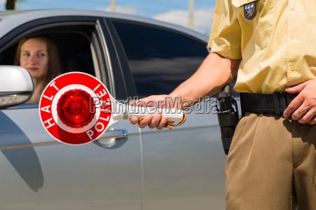 polizist, oder, polizei, in, streife, hält - 8378003