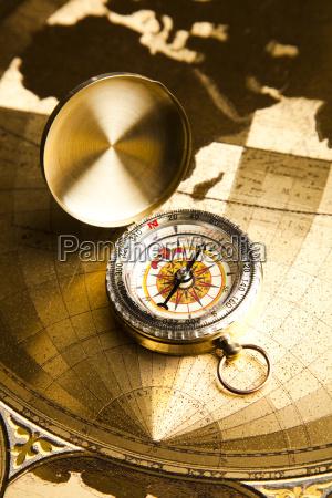 navigationsinstrument, karte, und, kompass - 8800434
