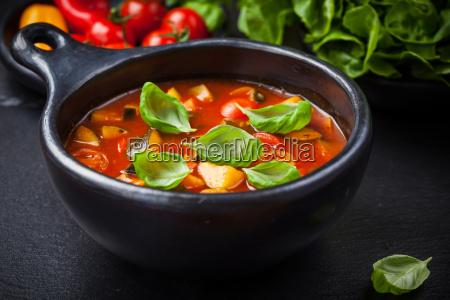 minestronesuppe mit gemuese