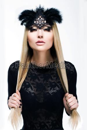 portrait of stilisierte frau blondine im