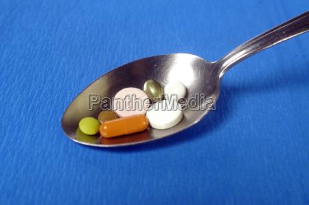 tabletten pillen medikament medikamente pharmazie arznei