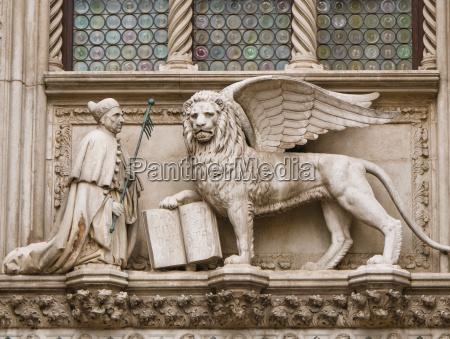 skulptur venedig bildhauerei palast bildwerk
