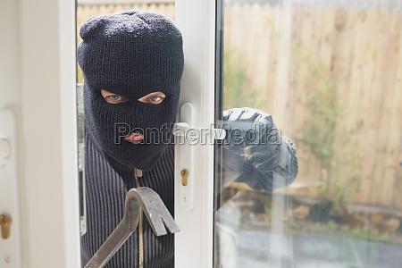einbrecher suchen wenn jemand in den