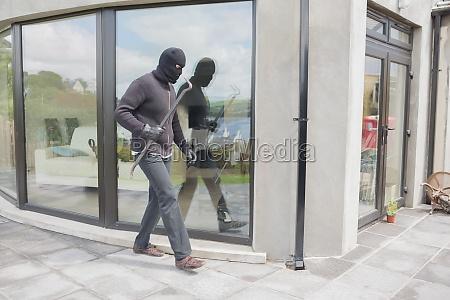 burglar with cro bar