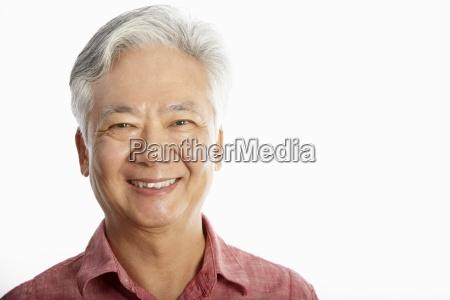 studioaufnahme der chinesischen alter mann