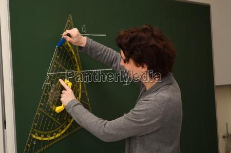 lehrerin zeichnet