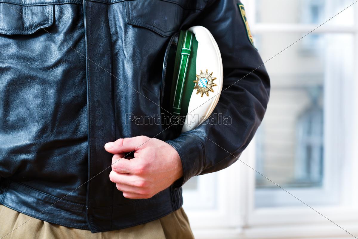 polizist, im, revier, ist, allzeit, bereit - 9392386