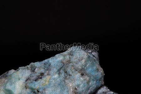 mineralien mit leuchtenden blauen lazulith detail