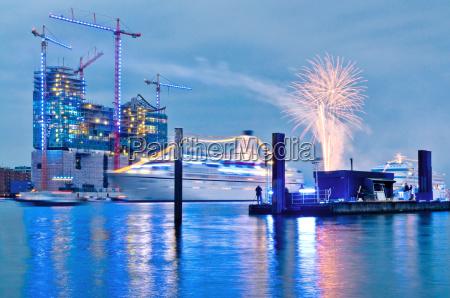 elbphilharmonie hamburg fireworks and bluelight illumination