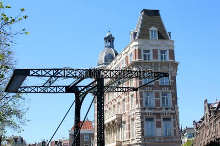 historische klappbruecke in amsterdam