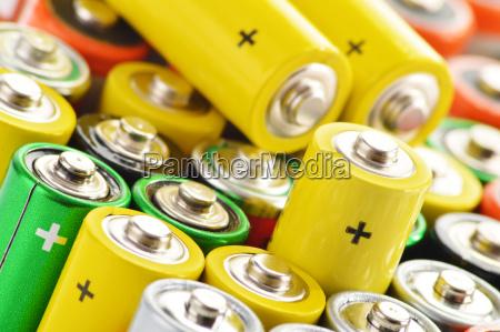 zusammensetzung mit alkalischen batterien chemischer abfall