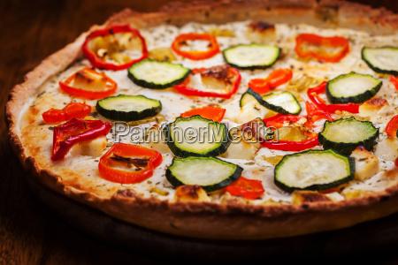 griechische pizza mit fetakaese