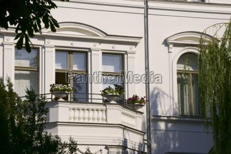 balkon einer stadtvilla