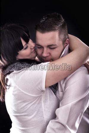 junges verliebtes paar