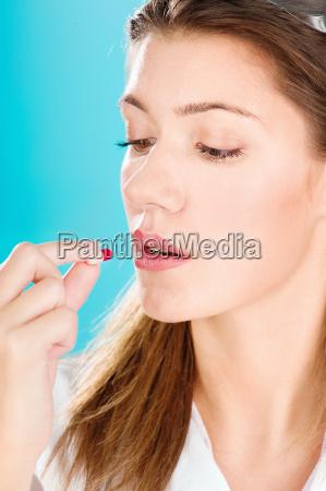 frau gesundheit heilen stoff rauschgift betaeubungsmittel