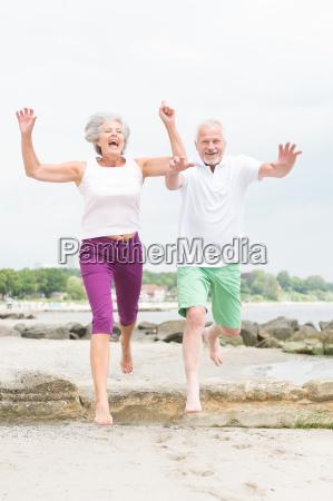 risata sorrisi atletico sportivo attivo anziano