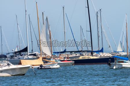 sommer sommerlich segeln hafen segel bucht