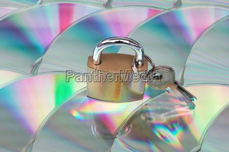 datensicherheit und verschluesselung cd mit schloss