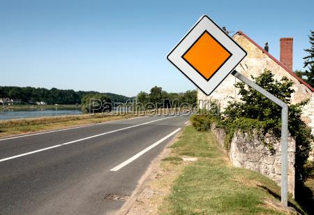schild signal zeichen sommer sommerlich asphalt