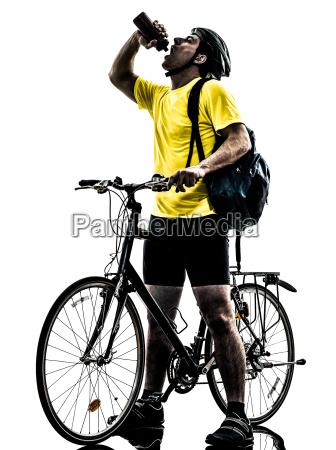 mann radfahren mountainbike trinken silhouette