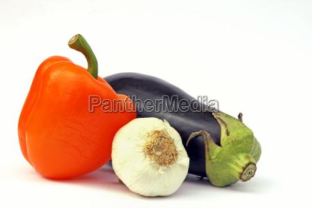 aubergine und paprika und knoblauch